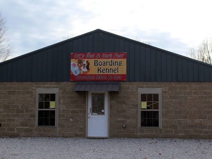 Boarding Kennel with Grooming Shop for Sale in London Kentucky petworldglobal.com